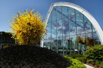 chihuly-garden-and-glass-seattle